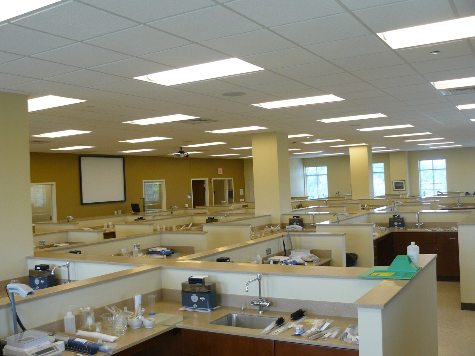 wu pharmacy lab-min