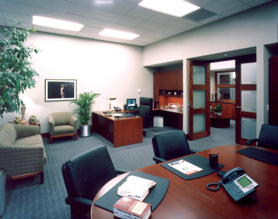 ExecutivesOffice-min